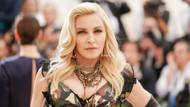 Madonna kıyafetsiz fotoğrafını paylaştı: Sanatı ayıplayarak bitiremezsiniz