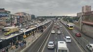 Metrobüs seferleri durdu: Kuyruk Sefaköy'e kadar uzandı