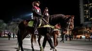 Atlı polisler Taksim'de görevlerine başladı
