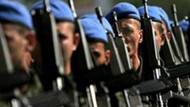 Hulusi Akar'ın başkanlığında kritik toplantı: Askerlik kısalıyor