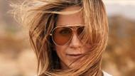 Jennifer Aniston'dan iç çamaşırsız poz