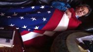 Can Dündar niye Amerikan bayrağına sarıldı?