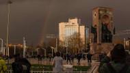 İstanbul'da görenleri hayran bırakan gökkuşağı sürprizi