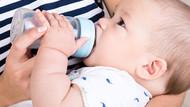Bebeğini emziren transeksüel anne dünya tarihine geçti