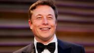 Elon Musk'ın uzaya fırlattığı arabası Tesla Roadster dünyaya çarpabilir