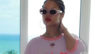 Rihanna 30'uncu yaşını esprili bir tişörtle kutladı