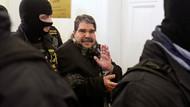 Salih Müslüm serbest bırakıldı: Kelepçeli geldi, el sallayarak çıktı