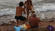 Rus turist denizde doğurdu