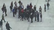 Yozgat meydanında giysilerini tamamen çıkaran genci linçten polis kurtardı
