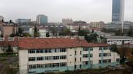 Uçurumun kenarındaki okul binasının yıkımına başlandı