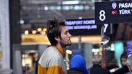 Fenerbahçe ve Beşiktaş'ta oynamıştı! Şimdi havalimanında yaşıyor