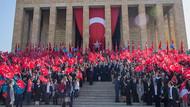 23 Nisan'da çocuklar Atatürk'e koştu