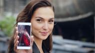 Huawei reklamlarının yeni yüzü Gal Gadot'tan şaşırtan hata