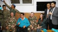 Hulusi Akar'ın yanında selfie çeken asker sosyal medyayı güldürdü