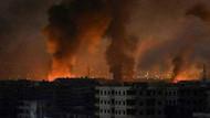 Suriye'de askeri üslerde büyük patlamalar! Onlarca ölü
