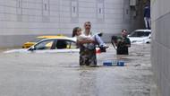 Ankara'da alt geçitleri su bastı, çok sayıda kişi araçlarda mahsur kaldı
