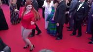 Yulia Rybakova kırmızı halıda bir anda iç çamaşırıyla kaldı