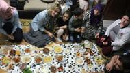 Gamze Özçelik, Suriyeli aileyle iftar yaptı