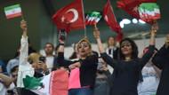 İranlı kadın taraftarlar Başakşehir stadına damgasını vurdu