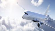 Kötü kokan uçak yolcusu acil inişe neden oldu
