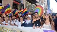 İzmir'de binler Onur Yürüyüşü'ndeydi: Bugün artık hissettiğin gibi olma günü