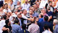Fenerbahçe'nin tarihi kongresinde gerginlik!