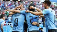 Uruguay Dünya Kupası'nda üst turu garantiledi