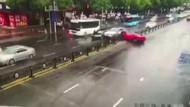 Lüks otomobiliyle böyle kaza yaptı