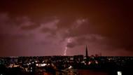 İstanbul'u şiddetli sağanak yağış vurdu