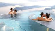 Pelin Akil ve Anıl Altan'ın havuz romantizmi