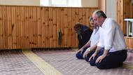 Muharrem İnce cuma namazını köy camisinde kıldı