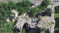 1600 yıllık Bizans Sarayı'nı defineciler delik deşik etti