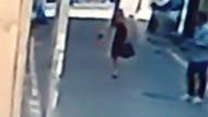 Genç kız kendisine laf atan kişiyi tabancayla kovaladı