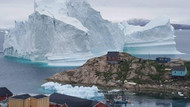 İnanılmaz olay: Dev buz dağı köyün kapısına dayandı