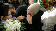 İsrail'de tutuklanan Ebru Özkan yurda döndü