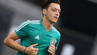 Mesut Özil Alman basınını ikiye böldü