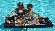 Ivana Sert'ten havuzda kahvaltı