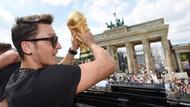 Alman gibi düşünüp Türk gibi hisseden yıldız Mesut Özil