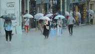 Taksim'de sağanak yağmur