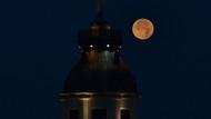 İstanbul'dan fotoğraflarla Kanlı Ay tutulması