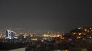 İzmir'i kaplayan ağır yanık kokusunun kaynağı belli oldu