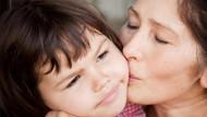Çocuğunuza, öpsün o senin teyzen diye ısrar etmeyin!