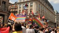 Eşcinsellerin Londra'daki Onur yürüyüşüne Polis teşkilatı sponsor oldu