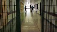 Cezaevinde doktoru bıçaklayan mahkum firar etti