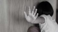 İstanbul'da iğrenç olay! İki kızını taciz eden adamla içki içti