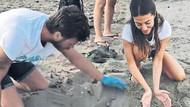 Kıvanç Tatlıtuğ ve eşi Başak Dizer caretta carettaları denize ulaştırdı