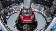 ABD ile yaşanan kriz Tesla siparişlerini durdurdu