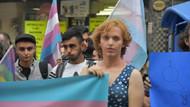 Beyoğlu'ndaki travesti cinayeti İzmir'de protesto edildi