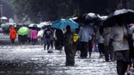 Muson yağmurları Hindistan'da 709 cana mal oldu