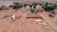 3 aylık yağış 45 dakikada düştü! Antalya çamura battı